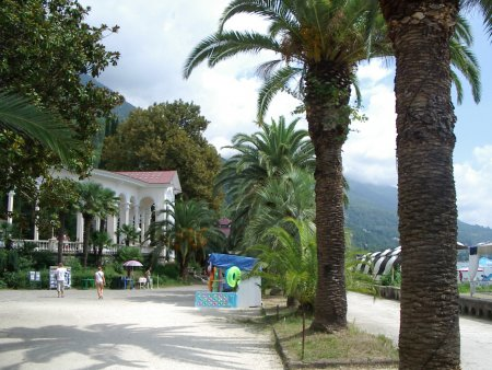 Абхазия. Парк и дворец принца Ольденбургского — фото 1